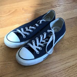 low top navy blue converse